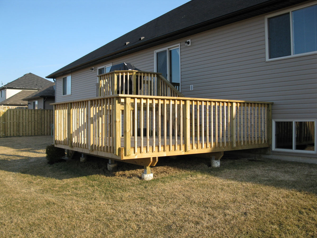 Tiered Backyard Decks : When it comes to Decks, Fences, Sheds and other Custom Work, the sky